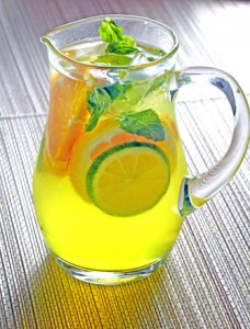 Sparkling Iced Tea with Lemon
